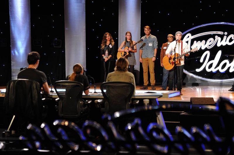 Contestants perform in Hollywood Week – 01