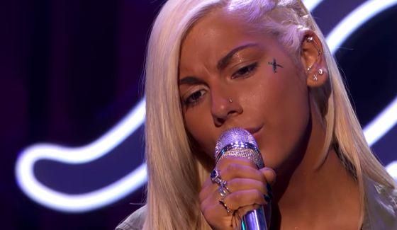 Jax sings on American Idol 2015 Showcase