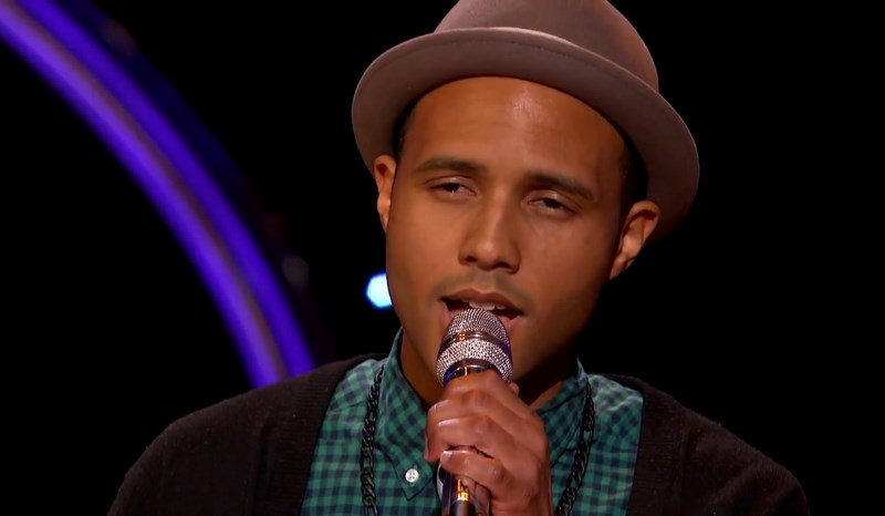 Rayvon Owen sings on American Idol