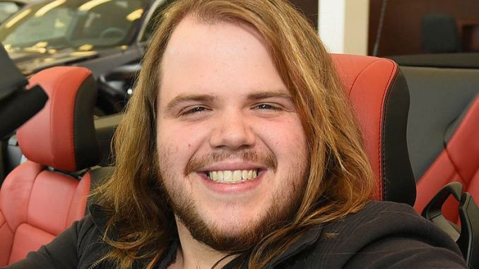 Caleb Johnson receives new Ford Mustang