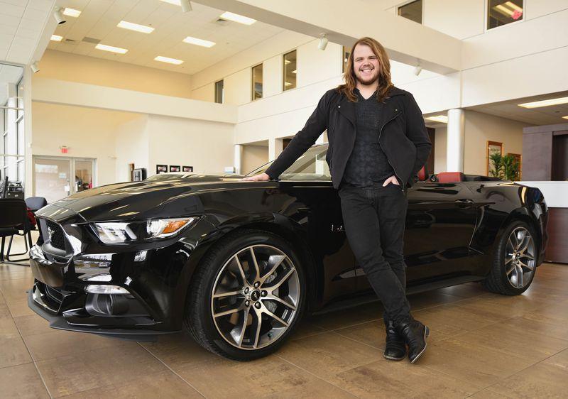 Caleb Johnson & his new Ford Mustang GT – 01