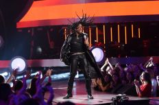Qaasim Middleton performs on AMERICAN IDOL