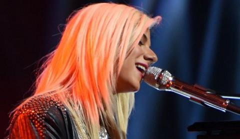 Jax performs on American Idol 2015