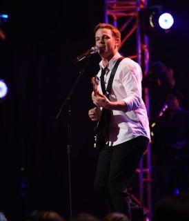 Clark Beckham performs in Top 8