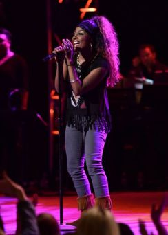 Loren Lott performs in Top 16