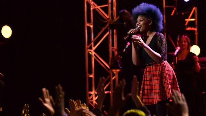 Tyanna Jones performs in Top 16