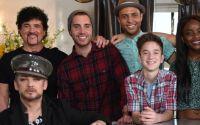 Boy George with American Idol 2015 contestants & mentor Scott Borchetta