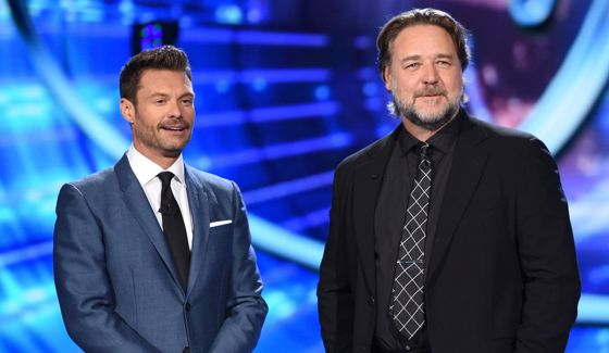 Ryan Seacrest with guest Russell Crowe on American Idol 2015