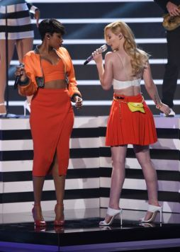 Iggy Azalea and Jennifer Hudson perform on American Idol