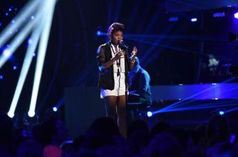 Tyanna Jones performs on AMERICAN IDOL Top 8
