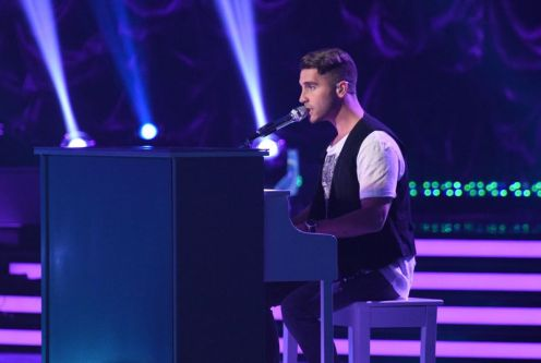 Nick Fradiani performs