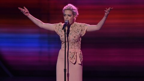 Jenn Blosil American Idol 2016 performance (FOX)