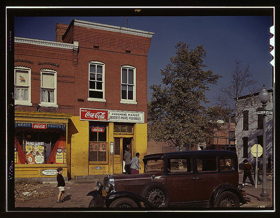 Color photograph of a Washington DC street in 1940