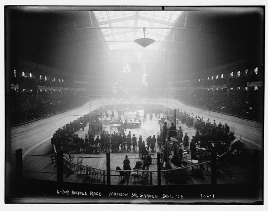 Showing the interior of the Garden just before the race was set to begin.