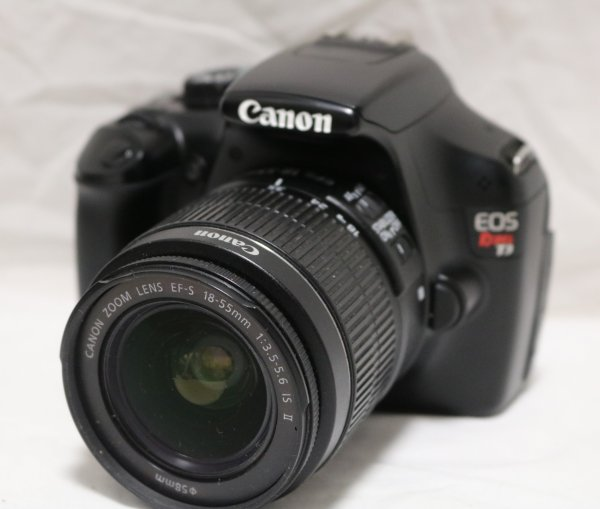 Canon EOS Rebel T3 front view