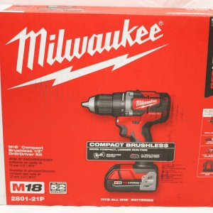 Milwaukee 2801-21P Drill Driver front view