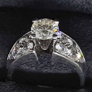 Ladies Custom Engagement Ring main