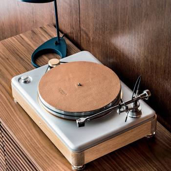 Shinola Runwell Turntable