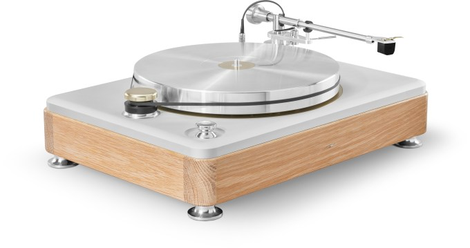 Shinola Runwell turntable made by VPI Industries