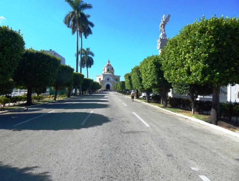 Main avenue into Colon Cemetery