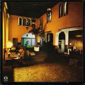 Hotel California courtyard
