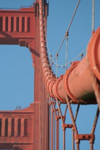 Macro der Golden Gate Bridge Absannseile in San Francisco