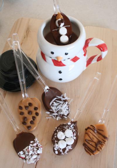 cheap christmas ideas - diy chocolate dipped spoon