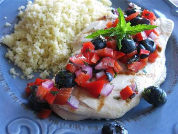 fourth of july recipe - grilled chicken with red blueberry salad