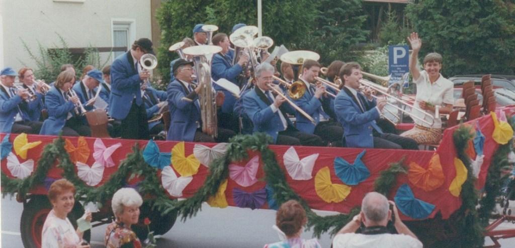 1997 parade yvonne large