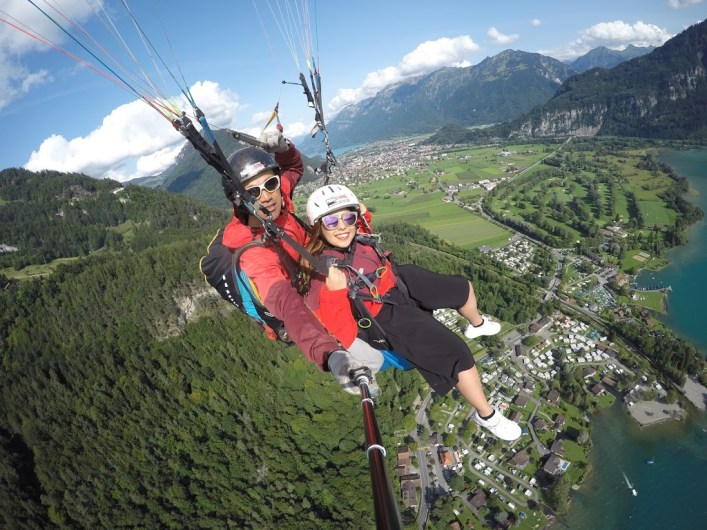 switzerland paragliding
