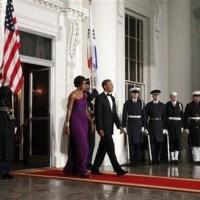 Photos   President Obama tours the Shwedagon Pagoda