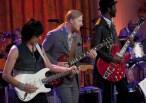 Guitarists Jeff Beck (L), Derek Trucks (