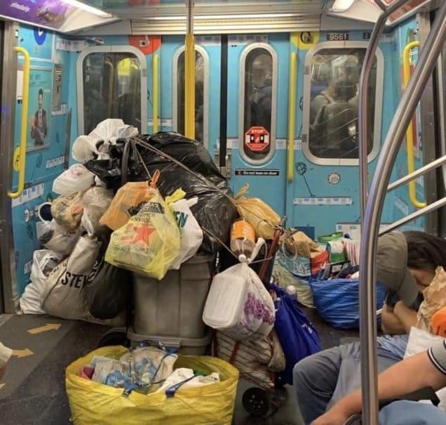 Профсоюз метро Нью-Йорка предлагает 500 долларов тому, кто сможет сделать самую отвратительную фотографию в метро