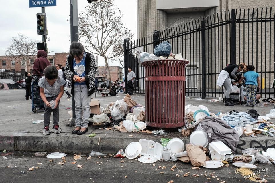 Пронзительная статья, полная стыда. «Бездомные в Лос-Анджелесе — позор для всей страны».