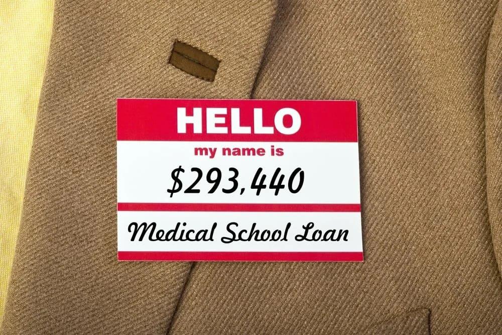 Сколько стоит обучение в США на врача? Сладко ли они живут?