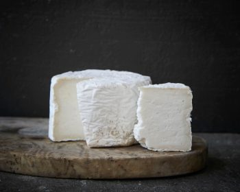 goats cheese and wine pairing guide
