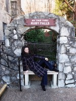 A Ruby Falls bejáratánál