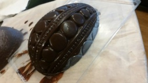 Amiga4all giant easter egg plastic mold unsticking two