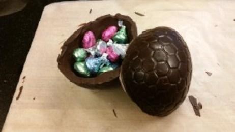 Amiga4all giant easter egg dragon eggs plastic mold egg with bonbon