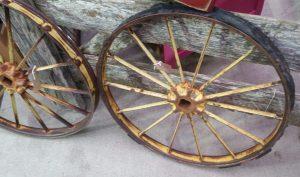 Things To Do in Arizona....When you Want to Go Vintage Shopping fair AZ wagon wheel
