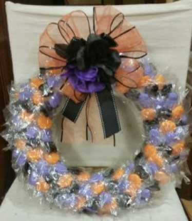 halloween-candy-wreath-final-product-image