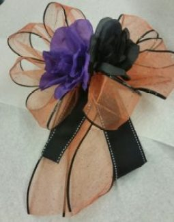 halloween-candy-wreath-ribbon-bow-image