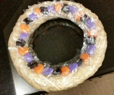 halloween-candy-wreath-straw-base-with-candy-image