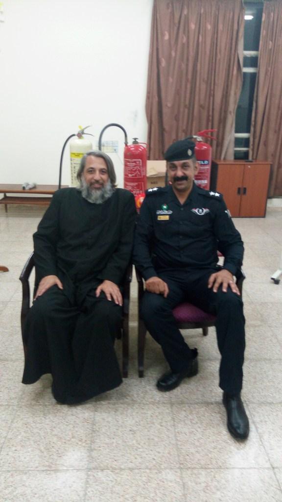 Curso de extinguidores en la Catedral de Bagdad