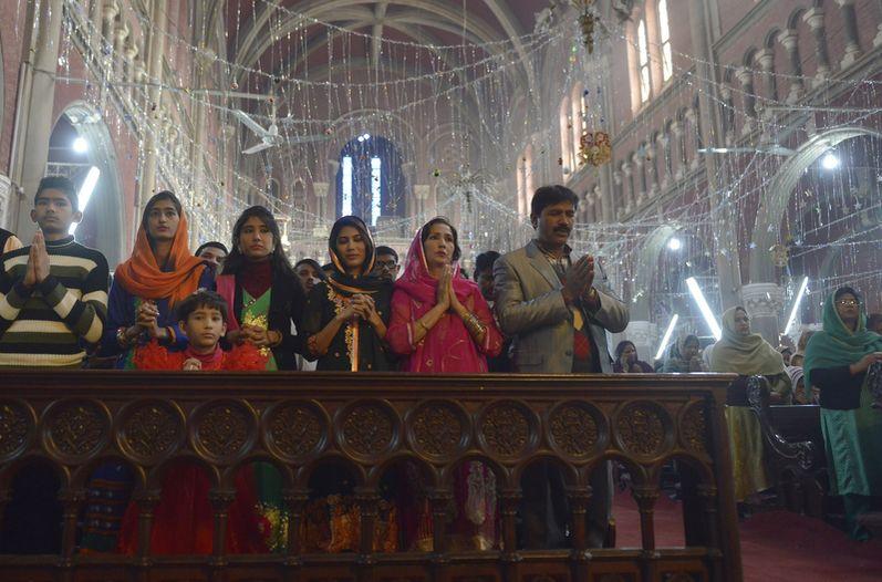 pakistan-habitantes-cristianos-pakistanies-diciembre_lncima20151225_0060_5