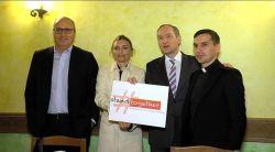 Foto de familia del lanzamiento en Roma de Stand Together.
