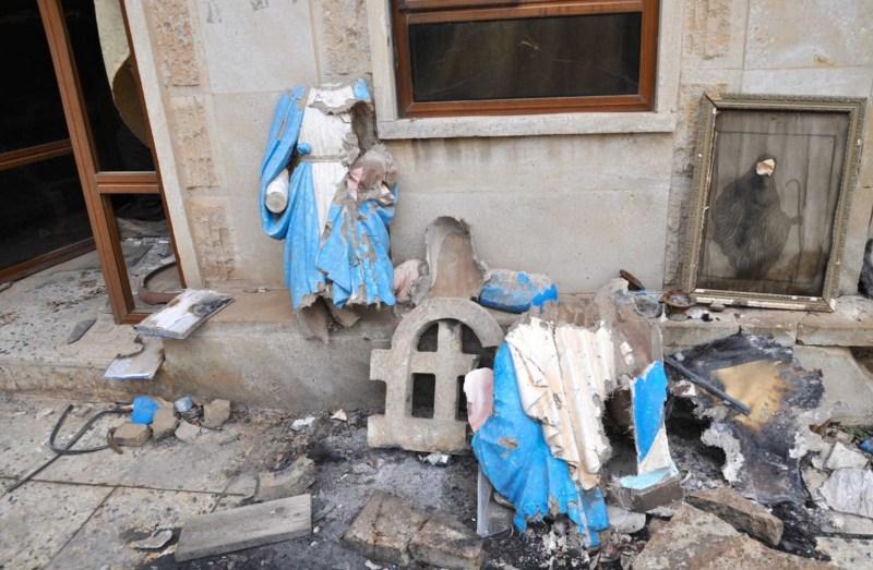 Statue-della-Madonna-martoriate-dallIs-a-Bartella-DSC_0240-1651x1080
