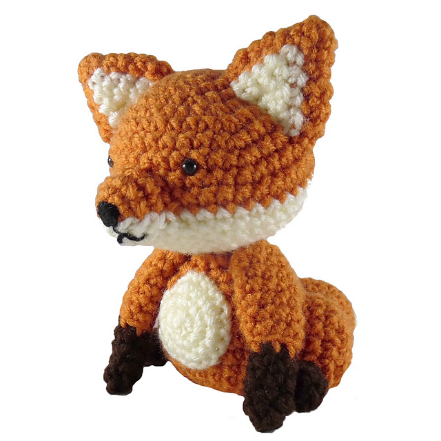 Sitting fox crochet softie