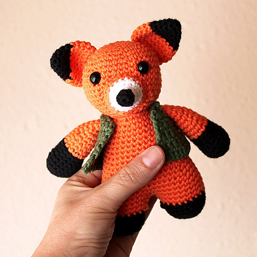 Sweet little fox amigurumi crochet pattern