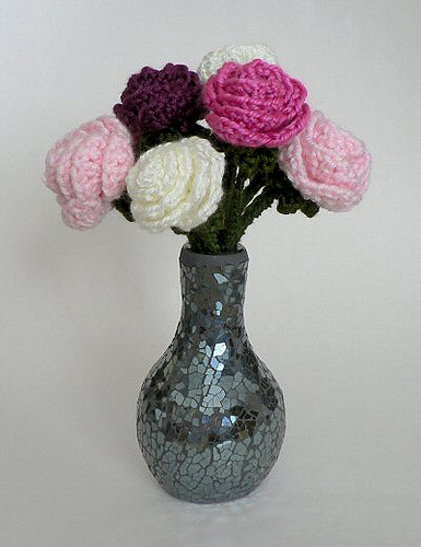 Free crocheted rose pattern